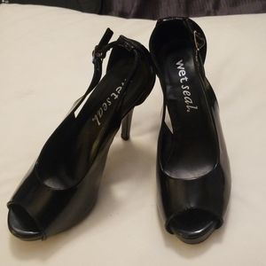 Wet Seal open toed heels shoes